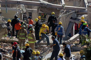 Gas blast kills at least 2 at Mexico's children's hospital - Photo
