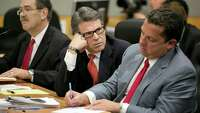 Rick Perry again asks state judge to toss indictment - Photo