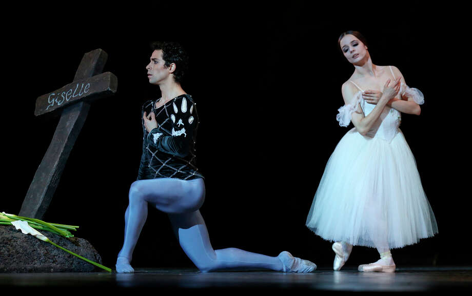 """Vitor Luiz and Maria Kochetkova perform the Albrecht and Giselle roles at a dress rehearsal of the San Francisco Ballet's """"Giselle."""" Photo: Amy Osborne / The Chronicle / ONLINE_YES"""