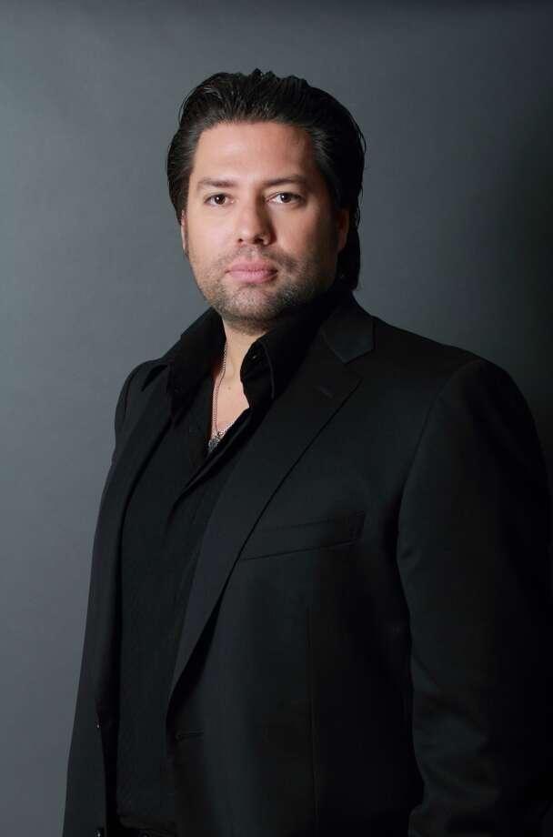 Armando Montelongo.