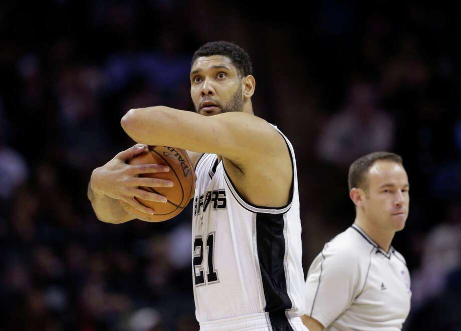 A reader praises an Express-News sports columnist for praising Tim Duncan, an athlete with a huge gift and a small ego. Photo: Eric Gay /Associated Press / AP