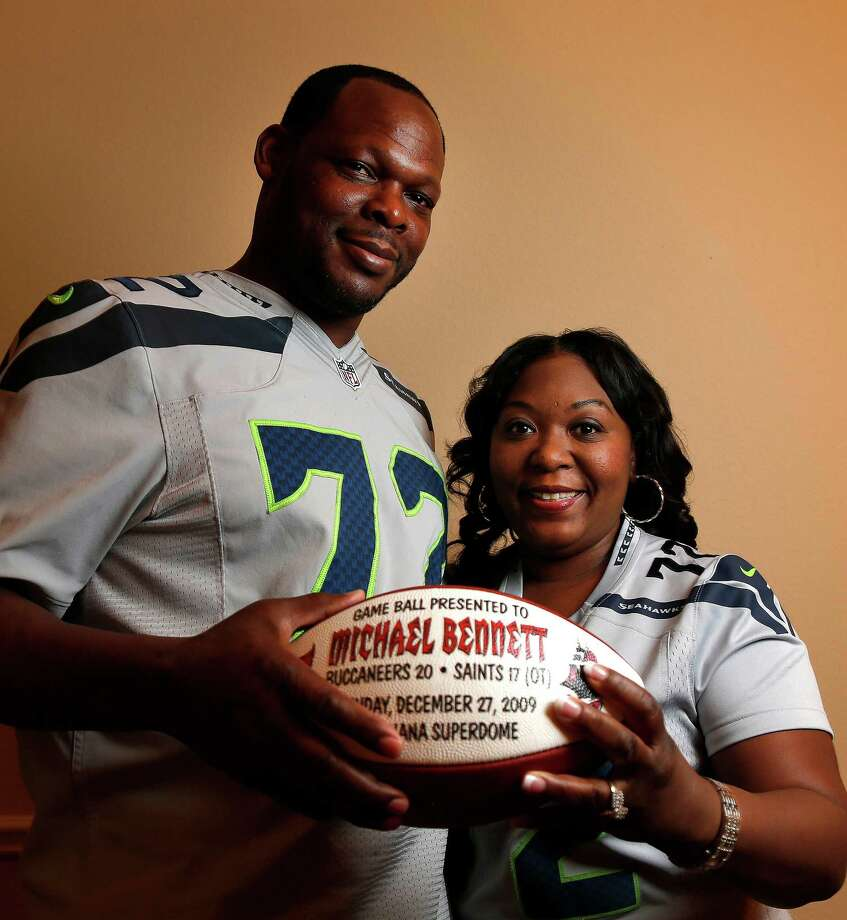 With two sons in the NFL, Michael Bennett Sr. and wife Pennie have to be careful not to play favorites, but there is no doubt where their allegiance lies for Super Bowl XLIX - with son Michael Jr. and the Seattle Seahawks. Photo: Karen Warren, Staff / © 2015 Houston Chronicle