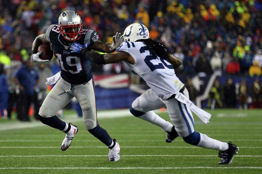 New England's Brandon LaFell (19) is coming off the best season of his NFL career: 74 catches for 953 yards and seven touchdowns. Photo: Maddie Meyer, Staff / 2015 Getty Images