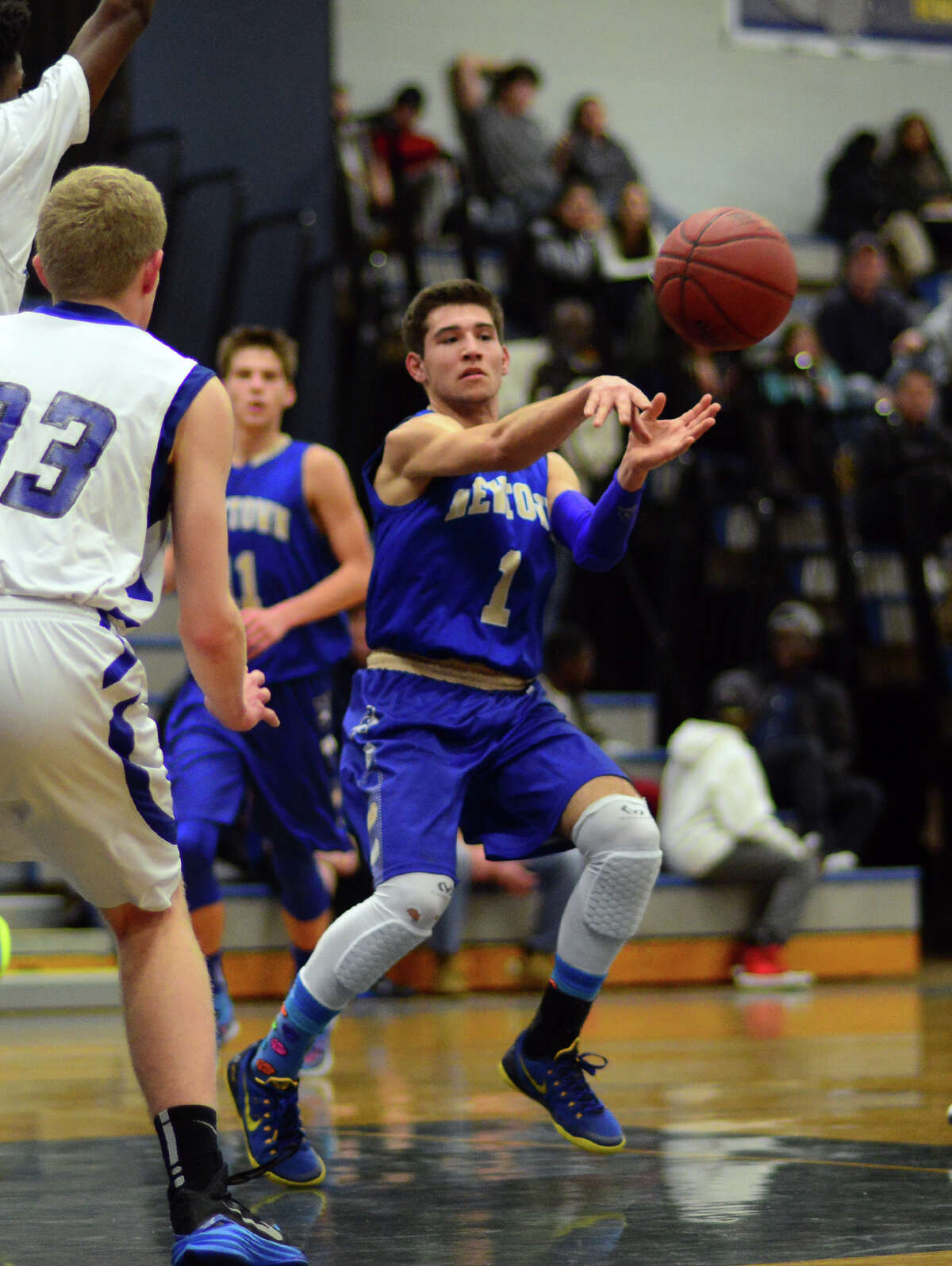 10-3, 16 points Nighthawks averaging 15.7 assists per game, sixth best in the state and tops in the region.