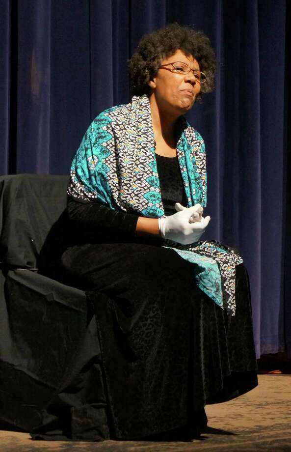 Kimberly Wilson portrays Rosa Parks during her 'A Journey' show at Greenwich High School. Friday, Jan. 30, 2015. Greenwich, Conn. Photo: Paul Schott / Greenwich Time