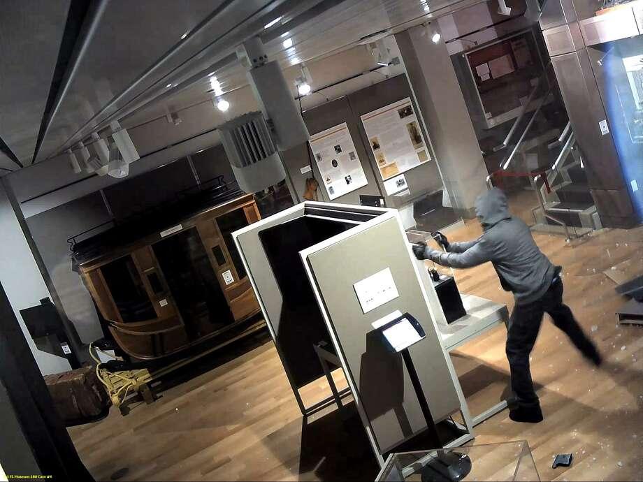 FBI releases photos of Wells Fargo gold nugget robbers ...
