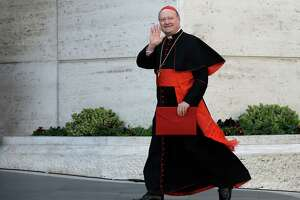 Ham-handed as it may be, Vatican opening new doors to women - Photo