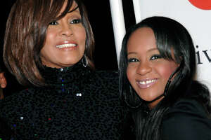 Whitney Houston's daughter found unconscious, hospitalized - Photo