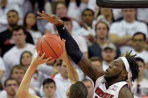 College basketball results, Jan. 31 - Photo