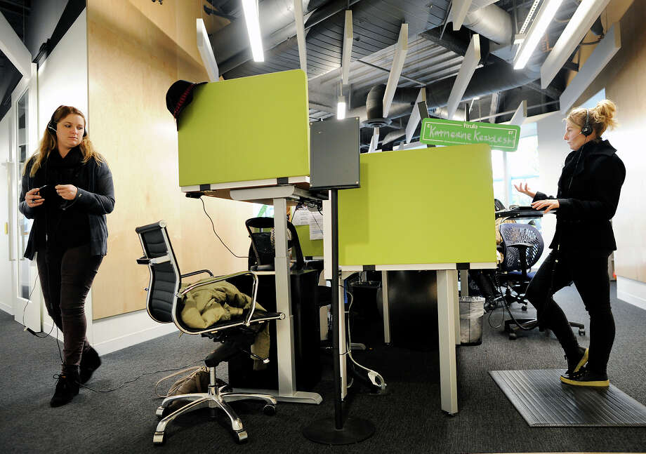 Rachel Bonnie (left) and Katherine Kerbleski wear headsets while making calls while working on the sales floor at the offices of Trulia in San Francisco, CA, on Tuesday, January 20, 2015. Photo: Michael Short / Special To The Chronicle / ONLINE_YES