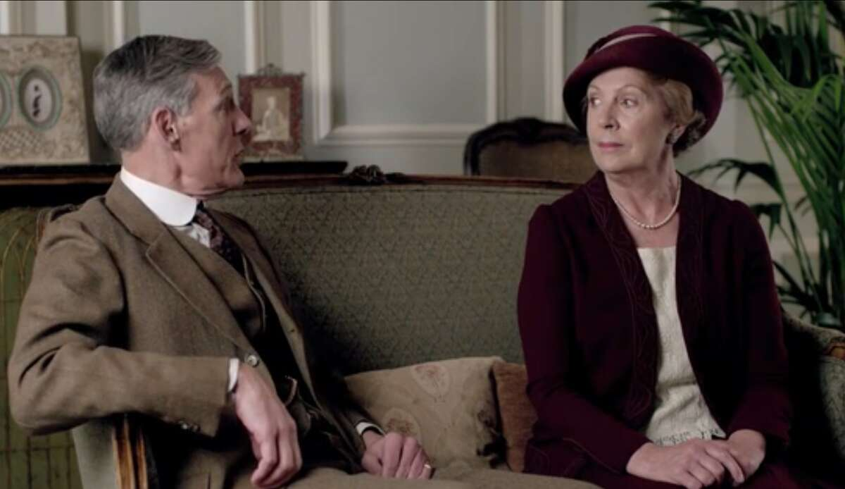 Will Isobel marry that nice, handsome lord? or stick with her middle-class do-goodery?