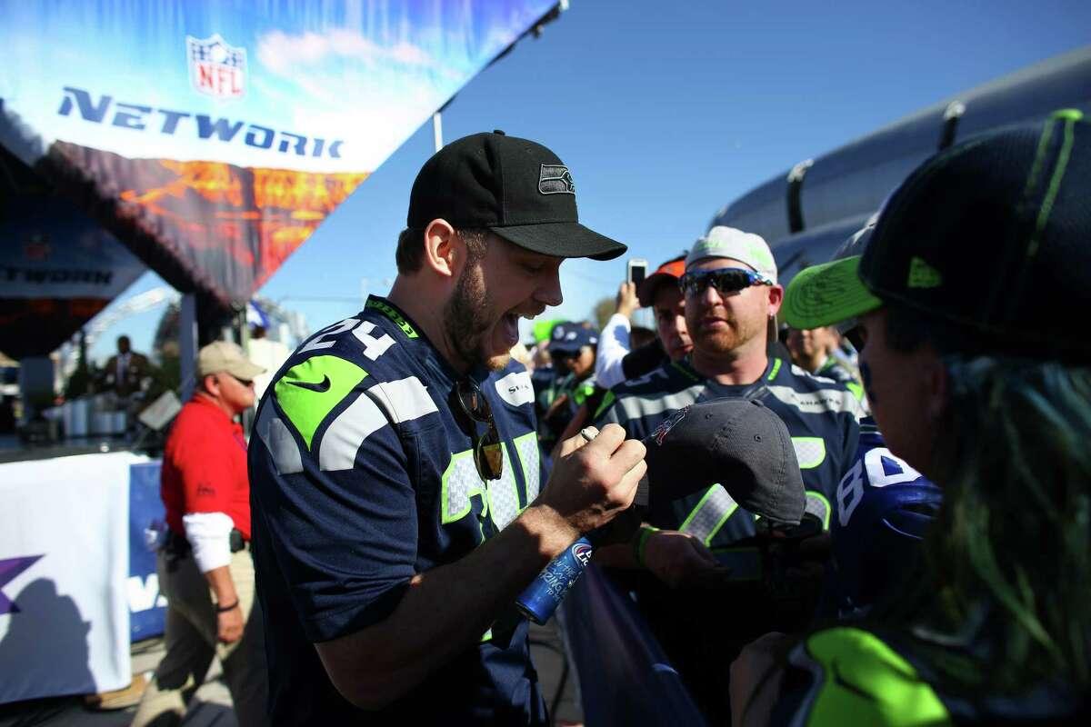 Actor Chris Pratt gets Seattle Seahawks fans pumped up before the game at University of Phoenix Stadium during Super Bowl XLIX on Sunday, February 1, 2015 in Phoenix, Arizona.