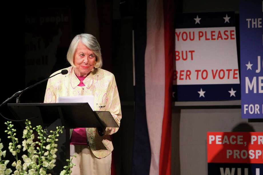 Liz Smith at a public tribute to Gore Vidal at the Gerald Schoenfeld Theater in New York, Aug. 23, 2102. Vidal, a writer, died on July 31, 2012 at the age of 86. (Chang W. Lee/The New York Times) Photo: CHANG W. LEE / CHANG W. LEE/THE NEW YORK TIMES
