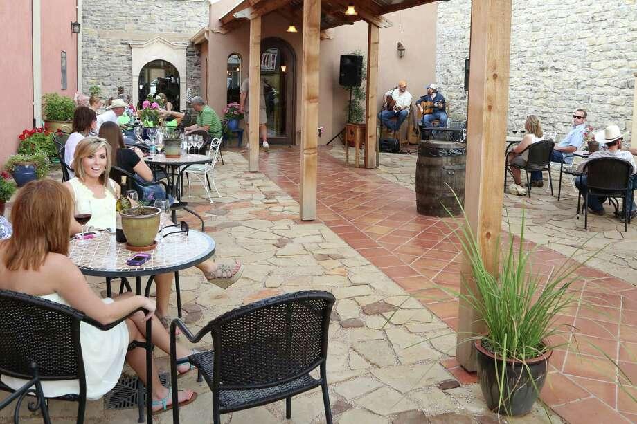 Wedding Oak Winery Photo: Courtesy Photo