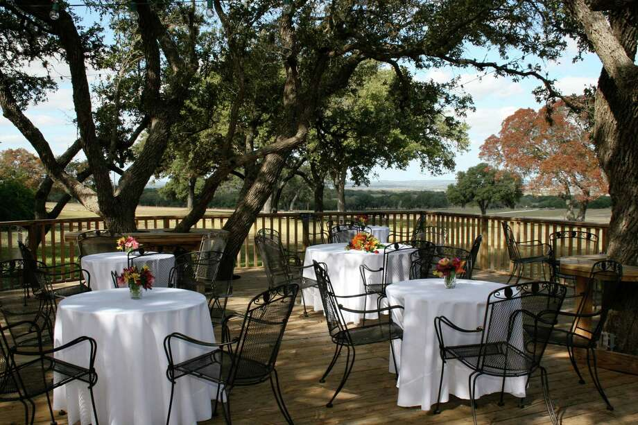 An outdoor setting sets the stage for lighter wines. Champagne and other sparkling wines and dry German rieslings will quench thirsts. Zinfandel and cabernet savignon pair well with meats. Photo: Courtesy Heather Kuhlk