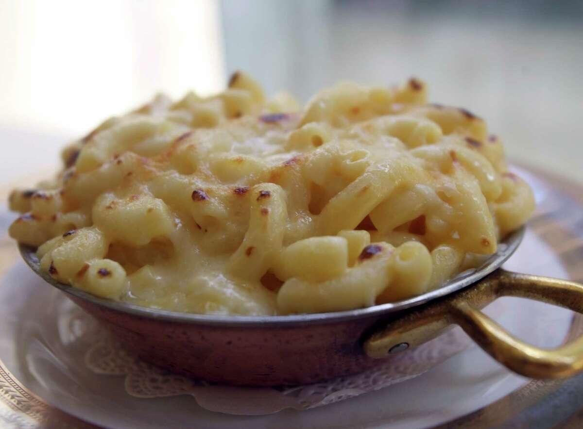 Macaroni and cheese at Bohanan's.