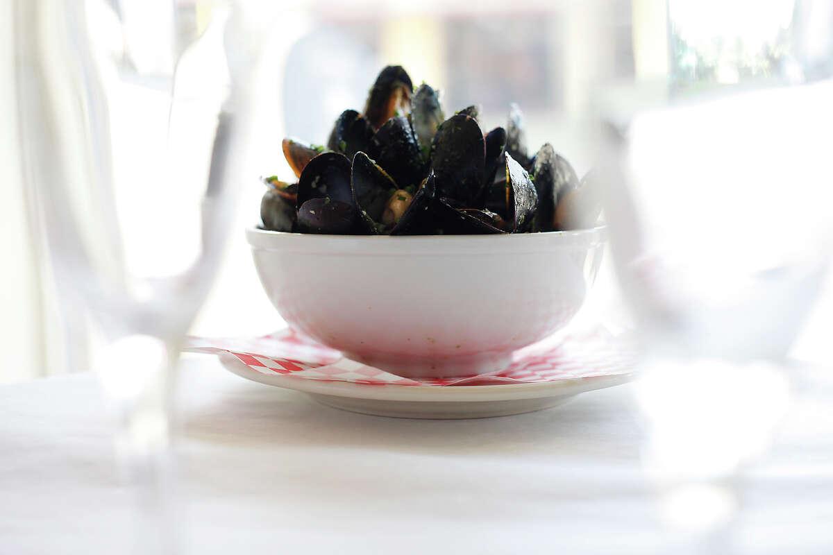 Moules pesto (mussels) at La Frite Belgian Bistro.