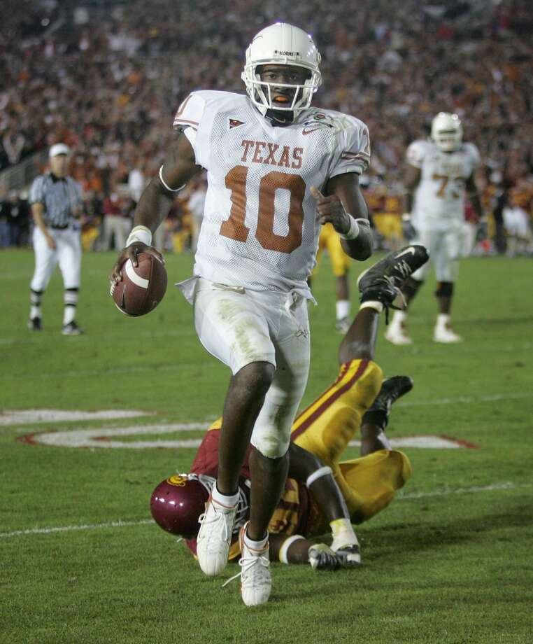 Vince Young's 2006 Rose Bowl heroics against USC helped Texas win its first natonal championship since 1970. Photo: PAUL SAKUMA, AP