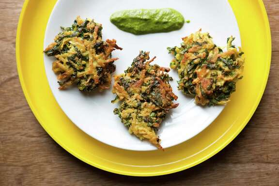Kohlrabi fritters with cilantro chutney.