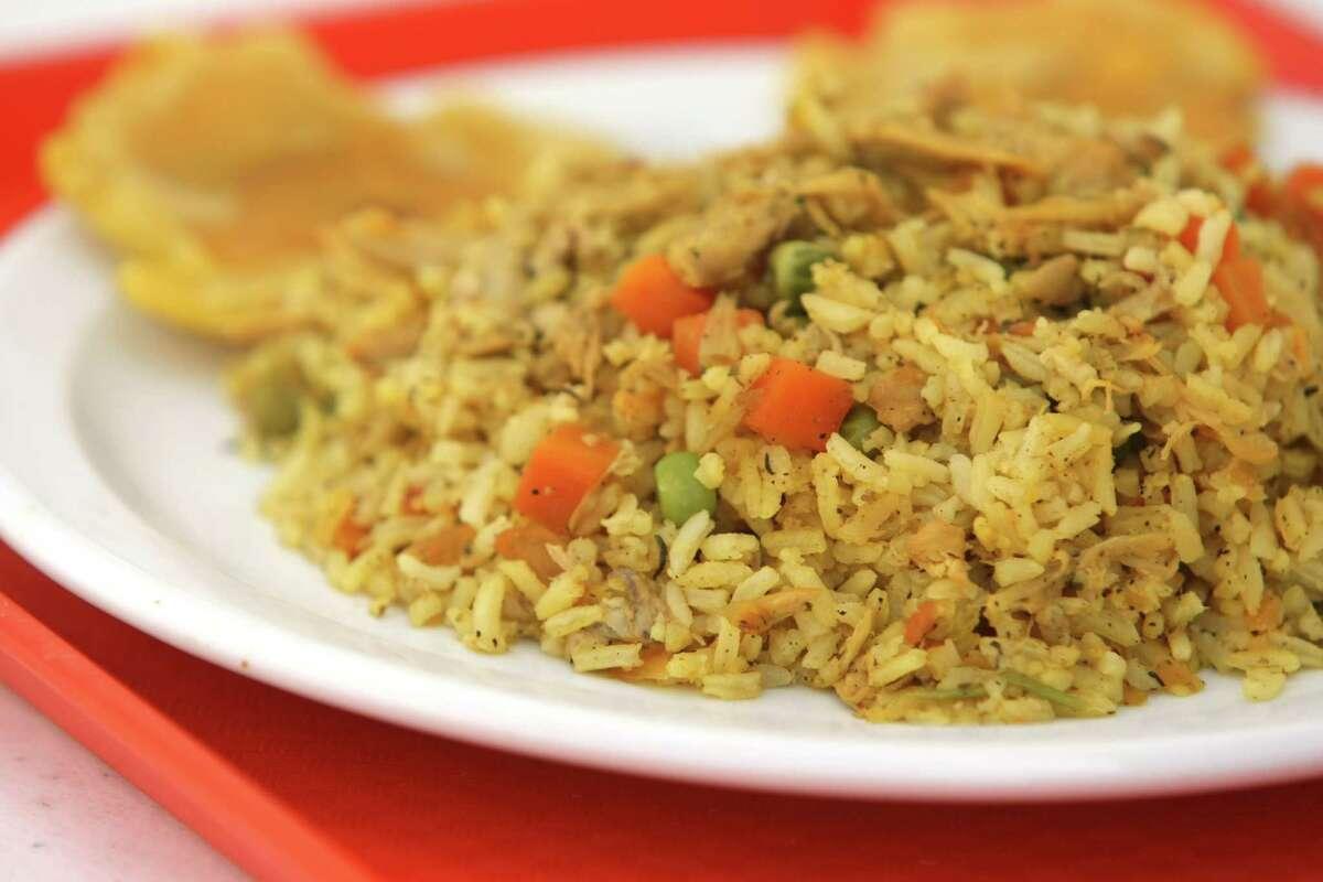 Sabor Colombiano's arroz con pollo.