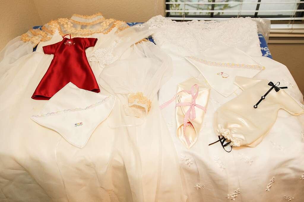 Donate wedding dress baby burial texas