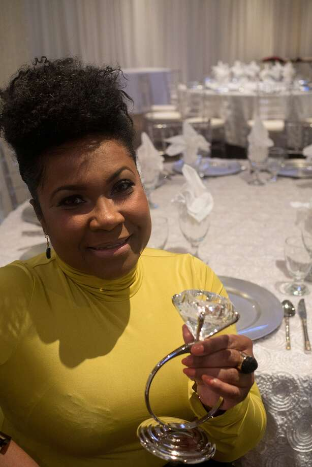 Gwendolyn Hood of Katy will present wedding planning workshops at the The Bougainvilleas Event Center in west Houston this month. Photo: R. Clayton McKee, Freelance / ©2007 R. Clayton McKee