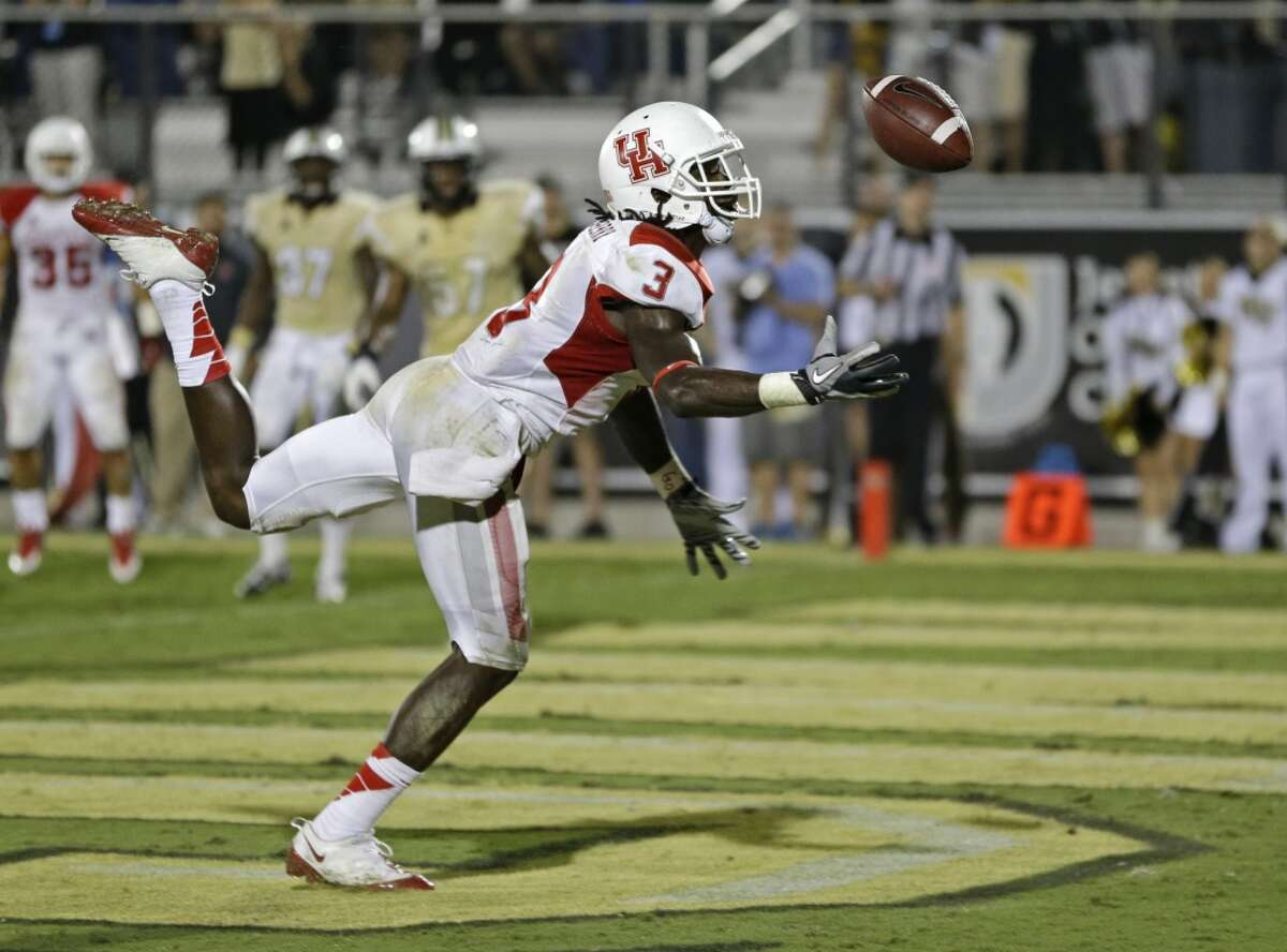 2. Who will step up at wide receiver? The Cougars lost a bulk of the receiving production with Deontay Greenberry leaving a year early for the NFL draft and Daniel Spencer and Markeith Ambles out of eligibility. That makes Demarcus Ayers (33 catches for 335 yards and two touchdowns) and Steven Dunbar (20 catches for 286 yards) as the only returners with experience. UH could get a boost if Chance Allen, a transfer from Oregon, receives clearance to play immediately from the NCAA. Either way, the Cougars will need a few young and inexperienced receivers - among them Donald Gage, Elton Dyer, John Leday Romello Brooker and Isaiah Johnson - to step up.