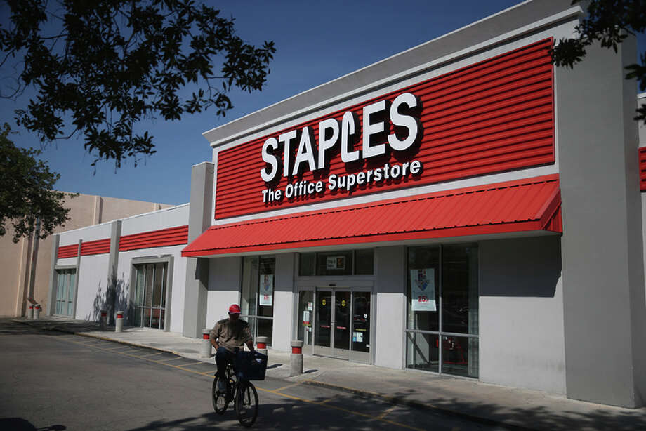 Staples may join forces with competitor Office Depot, sources are saying. Photo: Joe Raedle / Getty Images / 2015 Getty Images