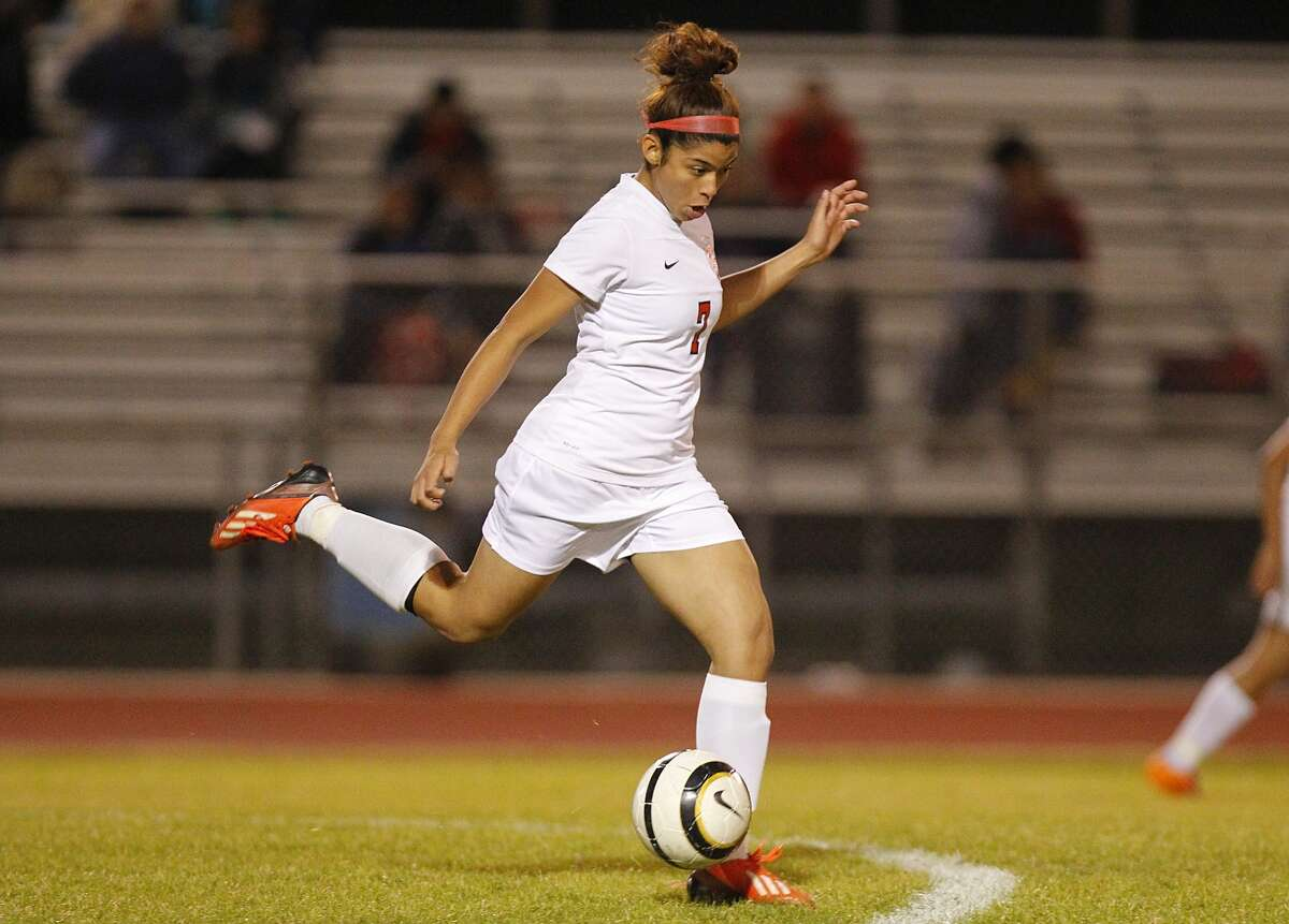 Cy Springs midfielder Betzabet Bravo Carmona moved the ball downfield as the Panthers beat Cy Lakes at home last week.
