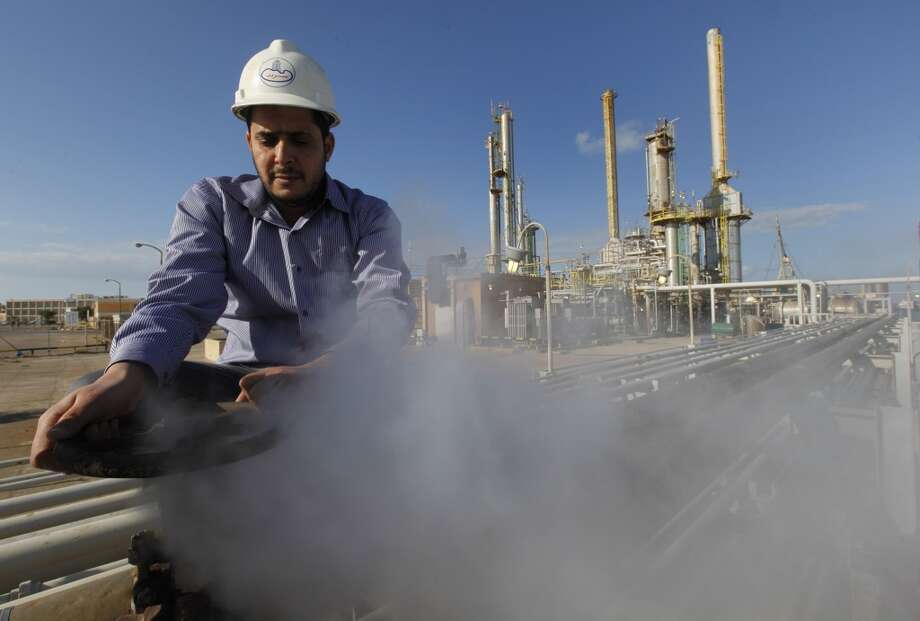 Libyan oil production dropped to about 1 million barrels a day, its lowest in roughly five months,  Photo: Hussein Malla, Associated Press