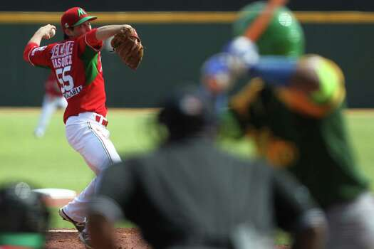 Mexico starting pitcher Anthony Vasquez throws the ball in the second inning during a Caribbean Series baseball game against Cuba in San Juan, Puerto Rico, Monday, Feb. 2, 2015. (AP Photo/Ricardo Arduengo) Photo: Ricardo Arduengo, STR / Associated Press / AP