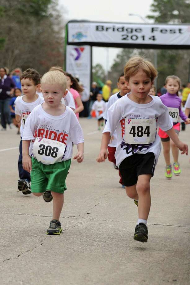 Kids participating in Bridgefest Run 2014, Photo:  Courtesy
