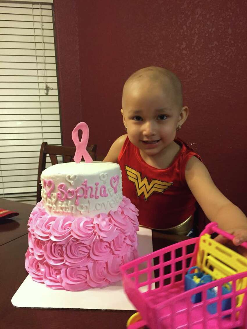 Sophia Sandoval, 3, announced her last day of chemotherapy while wearing a Wonder Woman costume.