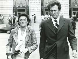 """DIRTYHARRY01_PH2.jpg  Tyne Daly and Clint Eastwood in """"The Enforcer"""" (1976)  NBC/ Chronicle Archive"""