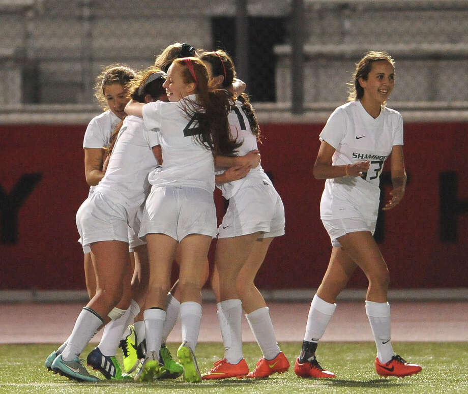 The Incarnate Word soccer team celebrates a goal. Photo: Billy Calzada /San Antonio Express-News / San Antonio Express-News