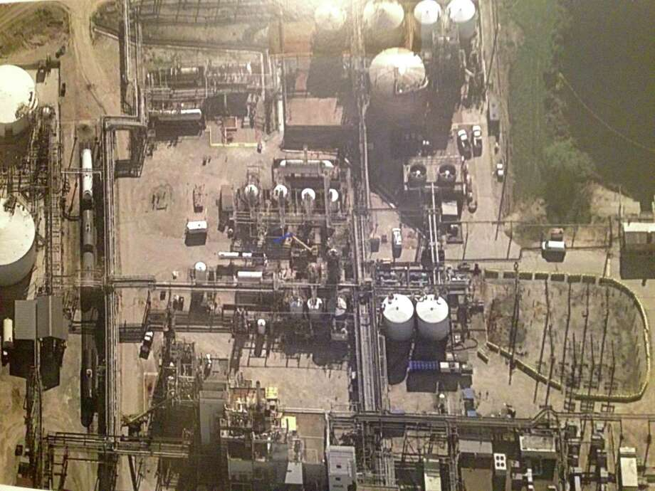 : An aerial view of the pesticide manufacturing unit where four workers died Nov. 15 at DuPont's La Porte plant. Federal officials called for DuPont to reform its safety culture years before the accident. Photo: U.S. Chemical Safety Board