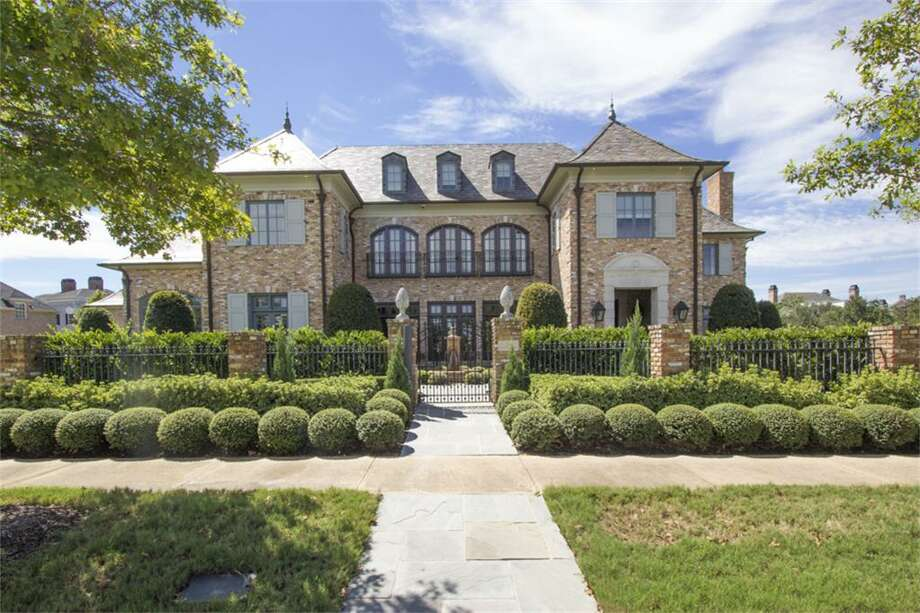 74 East Shore: $4,500,000 / 4 bedrooms/ 4 full and 2 half bathrooms /9,587 square feet Photo: Houston Association Of Realtors