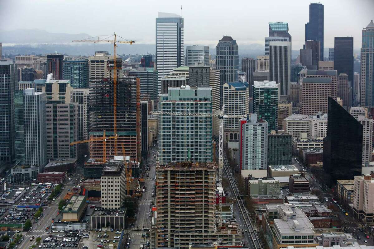 Nineteen out of the 25 most competitive neighborhoods for buyers in 2017 were in the Seattle metro area, a new Redfin report finds. Scroll through to see which neighborhoods ranked.