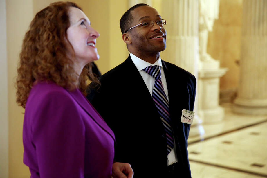 The Rev. Leroy Parker of New Hope Baptist Church in Danbury looks at a portrait with Rep. Elizabeth Esty, D-Conn., during a tour of the Capitol, Thursday, Feb. 5, 2015. Photo: Connor Radnovich, Connor Radnovich/Hearst Media / Connecticut Post Contributed