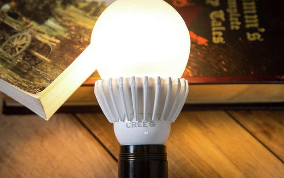 Cree 100W Replacement LED Photo: CNET / ONLINE_YES