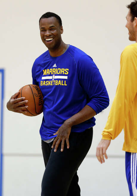 Golden State Warriors' assistant coach Jarron Collins and Luke Walton during practice in Oakland, Calif. on Monday, January 26, 2015. Photo: Scott Strazzante / The Chronicle / ONLINE_YES