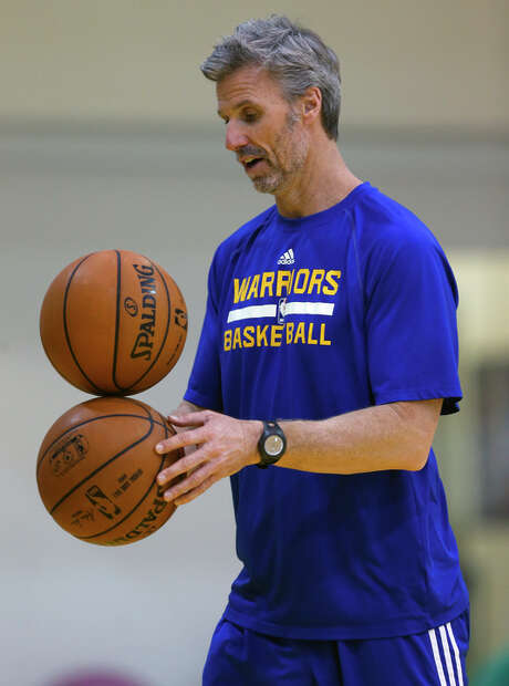 Golden State Warriors' assistant coach Bruce Fraser during practice in Oakland, Calif. on Monday, January 26, 2015. Photo: Scott Strazzante / The Chronicle / ONLINE_YES