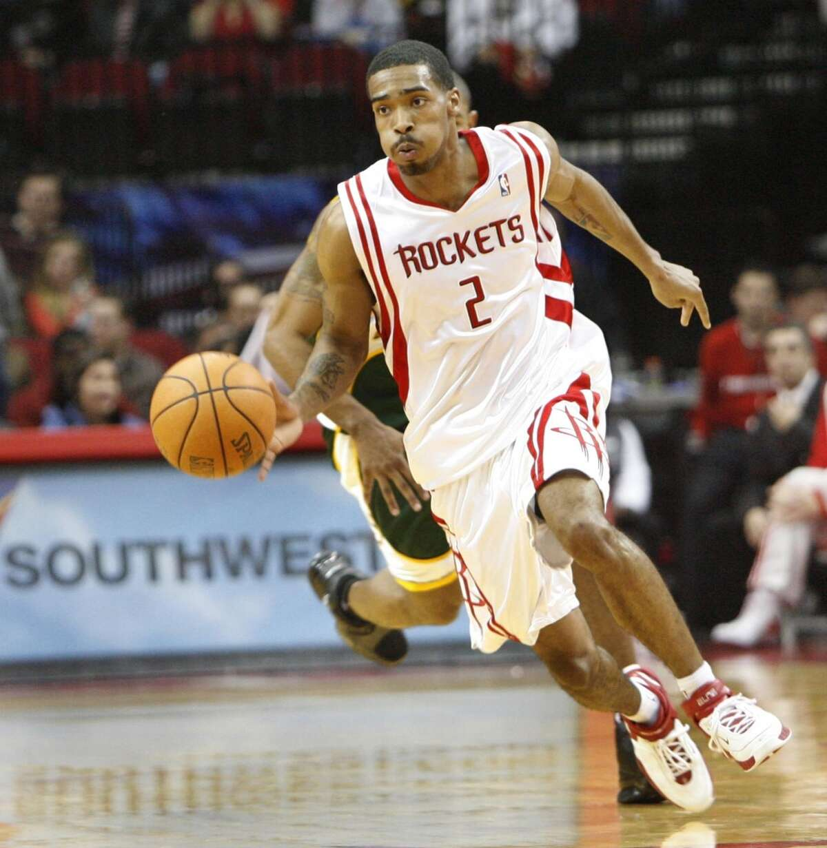 Luther Head Drafted: 2005 NBA Draft; Round 1, Pick 24 College: Illinois Years with the Rockets: 2005-2009 The guard played in a wildly talented Illinois team in college, but he never quite found the same scoring touch in the pros.