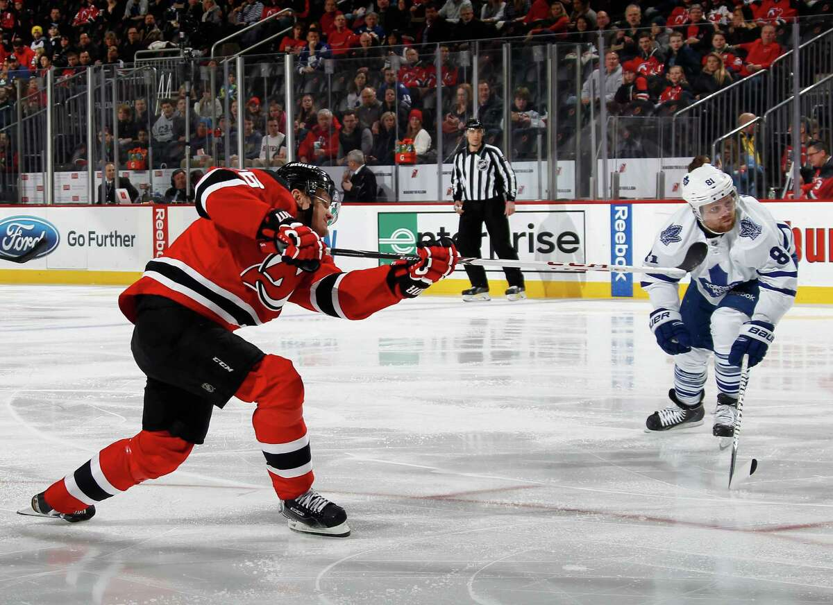 NEWARK, NJ - FEBRUARY 06: Patrik Elias #26 of the New Jersey Devils scores his 400th career goal at 1:23 of the second period against the Toronto Maple Leafs at the Prudential Center on February 6, 2015 in Newark, New Jersey. (Photo by Bruce Bennett/Getty Images) ORG XMIT: 507049325