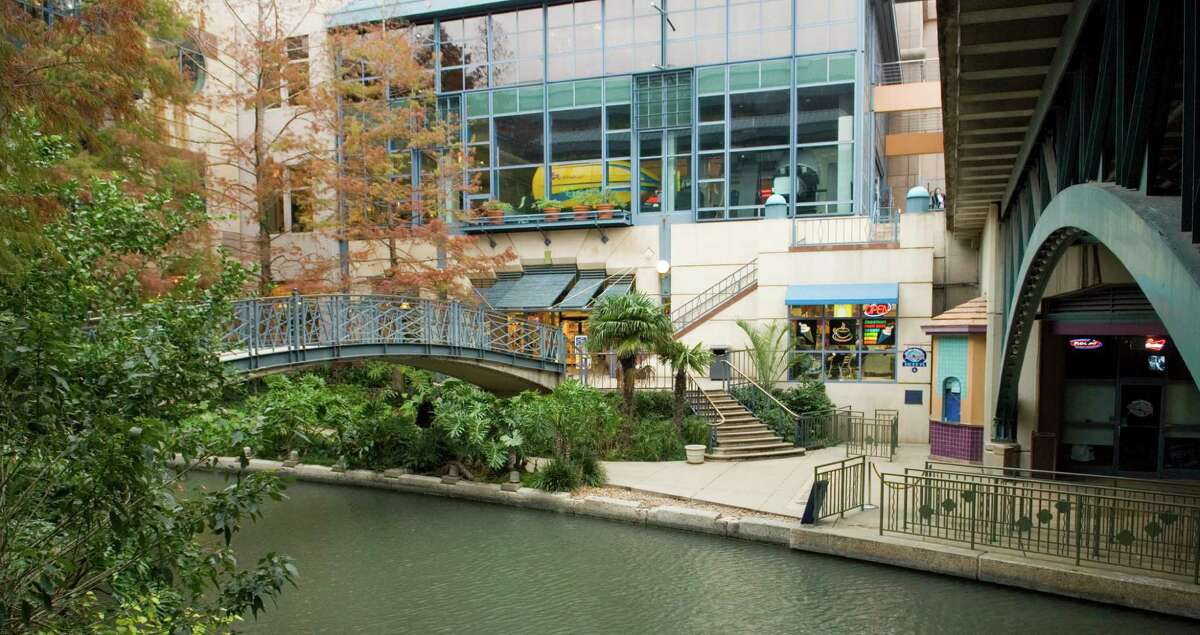 The San Antonio River Walk provides a pleasant place to stroll, shop and eat at the many fine restaurants and shops.
