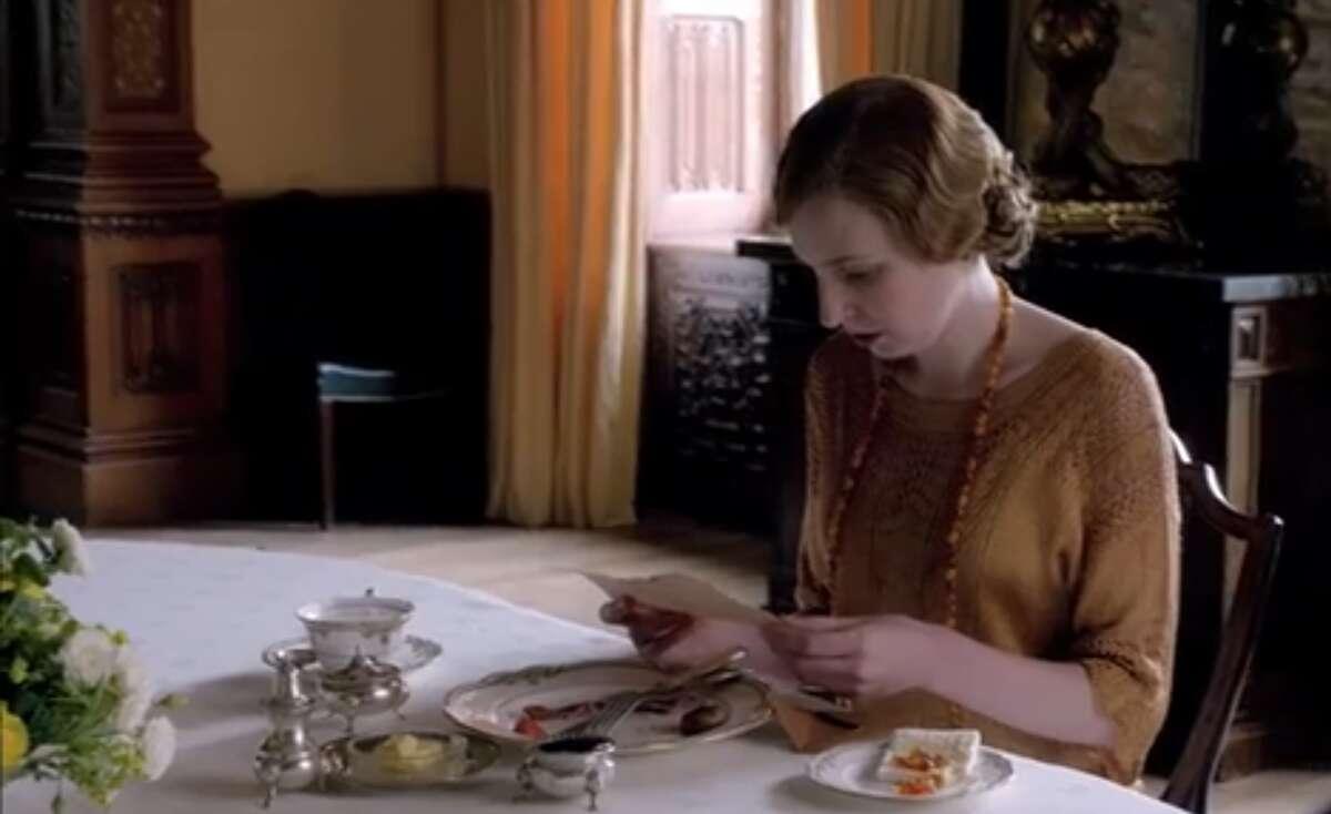 Edith gets a telegram. Yes, finally: That telegram.