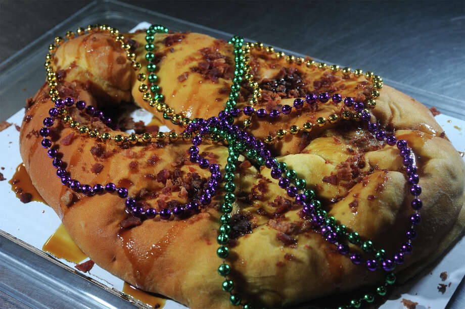 See how a Beaumont doughnut shop prepares a delicious boudin king cake. >> Photo: Guiseppe Barranco, Photo Editor