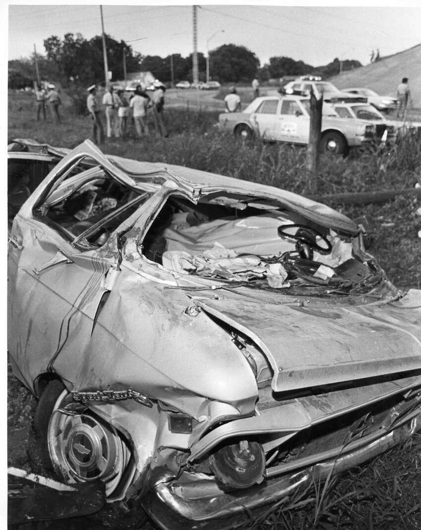 Fatal wreck on General Hudnell Dr. at Hwy 90 westbound onn June 2, 1985. SAEN/John Davenport.