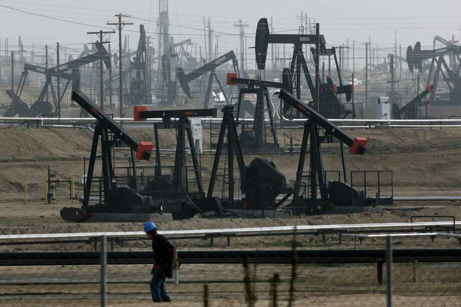Pumpjacks operate at Kern River Oil Field in Bakersfield, where aquifers are being polluted. Photo: Jae C. Hong / Associated Press / AP