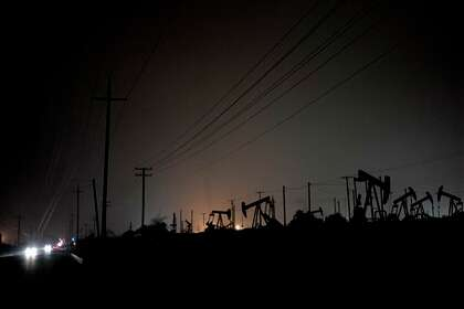 Pits of drilling waste threaten water, air safety, report